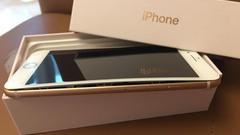 """iPhone8成""""爆""""款 用户称刚拆包装就发现电池肿胀"""