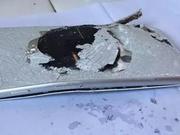iPhone8又炸!浙江用户刚买2天,充电时冒烟后壳炸裂