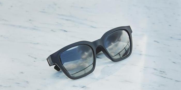 Bose发布首款智能音频眼镜 解放双耳戴墨镜就能听歌