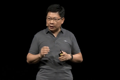 余承东:明年华为智能手机将全面升级支持鸿蒙2.0