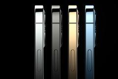 苹果发布iPhone 12手机:五种配色 设计致敬iPhone 4