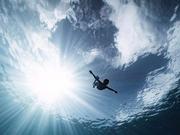 如果在海里潜水时恰好发生地震,会看到何种景象?