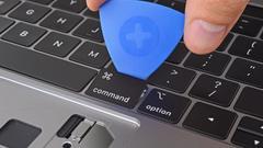 2018款13寸新MacBook拆解:电池更大了细节变了