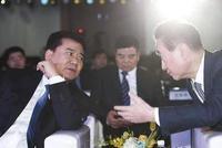 """苏宁收购37家万达百货,张近东帮王健林""""瘦身"""