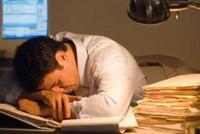 工作996,生病ICU?央视财经:年轻人该如何奋斗?