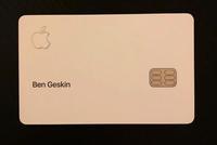 """Apple Card信用卡""""开箱"""" NFC配对芯片在包装上"""