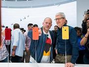 库克致信员工:设计师艾维为苹果做巨大贡献 堪称传奇