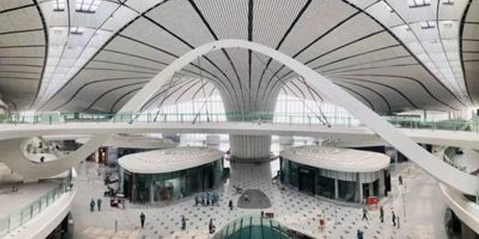 北京大兴国际机场正式投运 高科技触手可及