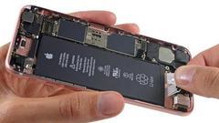 我们比了几家维修机构 苹果218元换电池到底值不值?