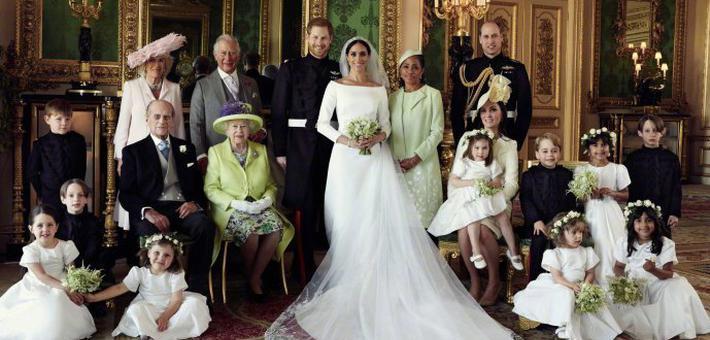肯辛顿宫发布哈里梅根官方结婚照