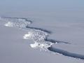 船舶危险!万亿吨冰山脱离南极 面积约5800平方公里