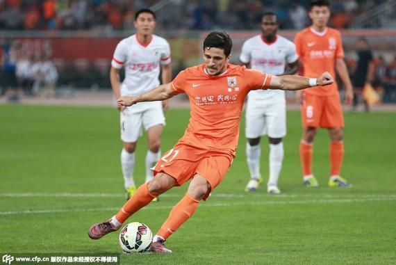 这个瞬间标志着中国顶级联赛第一家900球俱乐部的诞生