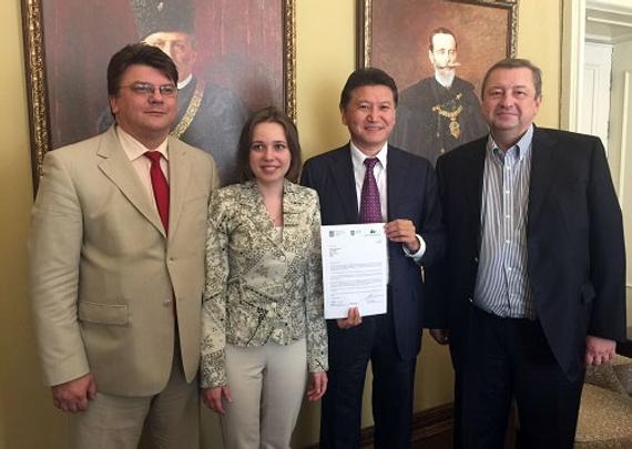 国际棋联主席伊柳姆日诺夫访问乌克兰