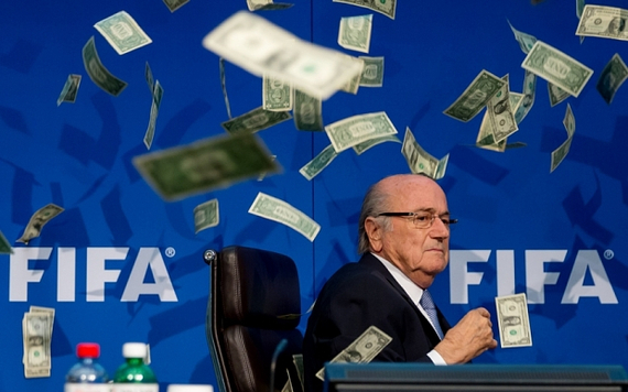 布拉特被扔钞票