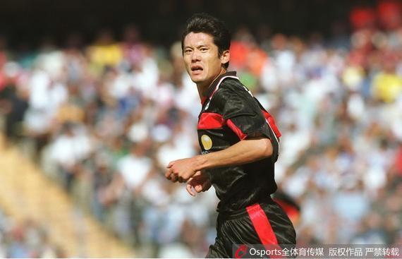 京媒:杨晨是留洋球员标杆 中国球员思想落后日