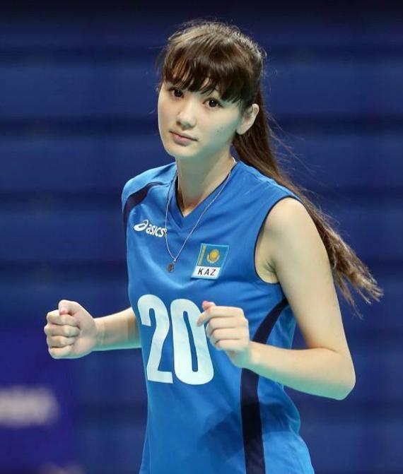 哈萨克斯坦排球美少女成为妇女委员会成员