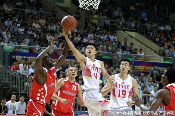 李慕豪与赵继伟在国奥的比赛中建立了默契