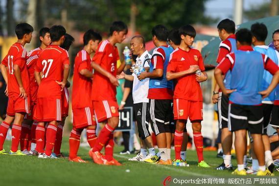 潍坊杯国青选拔队0-4阿根廷青年人队 小组赛三连败垫底