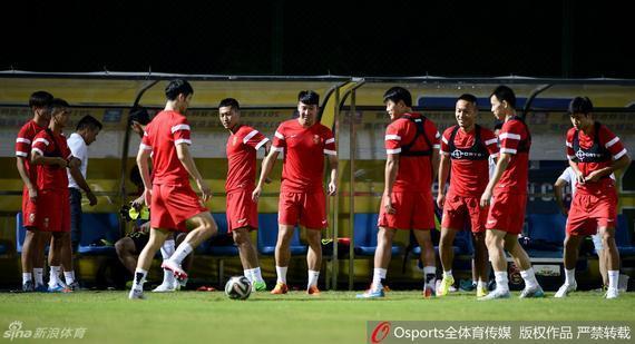 国足锻炼备战东亚杯