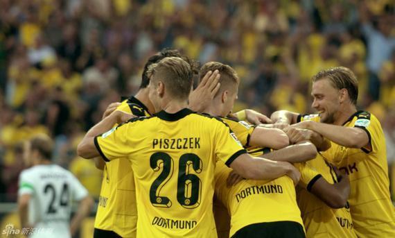 德甲最佳阵:罗伊斯穆勒+拜仁新