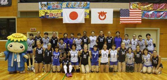 美国女排日本热身备战世界杯