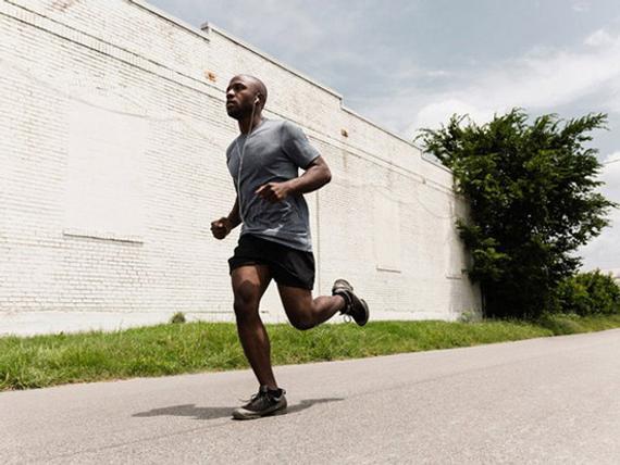 受伤风险评估全方位训练,成为耐力持久的跑者。