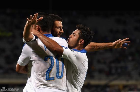佩莱帮忙意大利获得制胜进球
