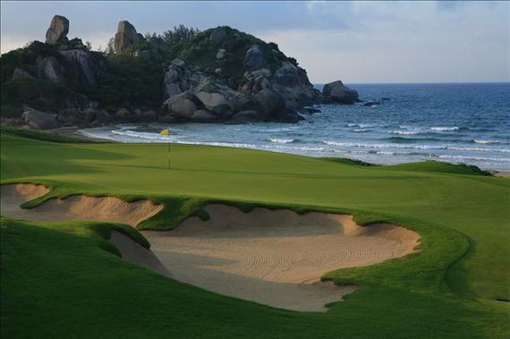 万宁站将在神州高尔夫球会挥杆