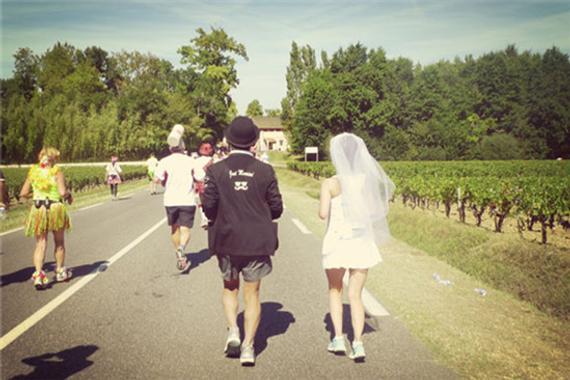波多尔红酒马拉松的全程体会。