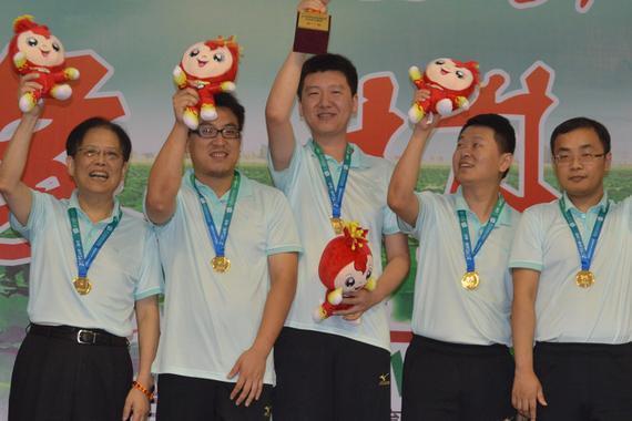 上海男队勇夺团体冠军
