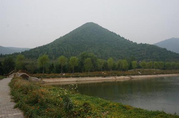 风景秀丽的舞彩潜山