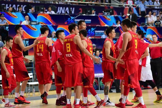 中国男篮首战顺利取胜