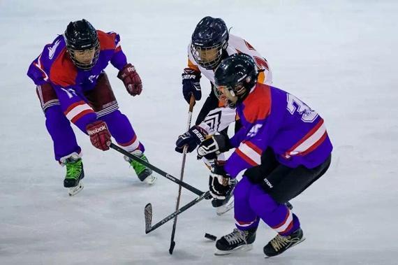 贵 交际 当 冰球小子 是怎样的体验