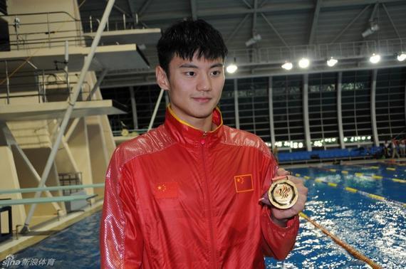 宁泽涛军运会连夺两冠