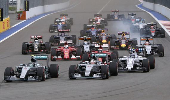 梅奔提早4站卫冕年度车队总冠军