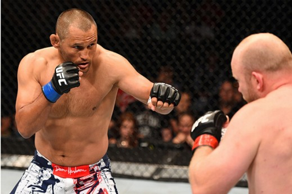 45岁的丹-亨德森仍是UFC最危险的选手