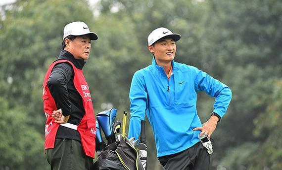 李昊桐与父亲