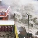 外媒关注台风袭击粤港澳:沿海地区笼罩红色警报