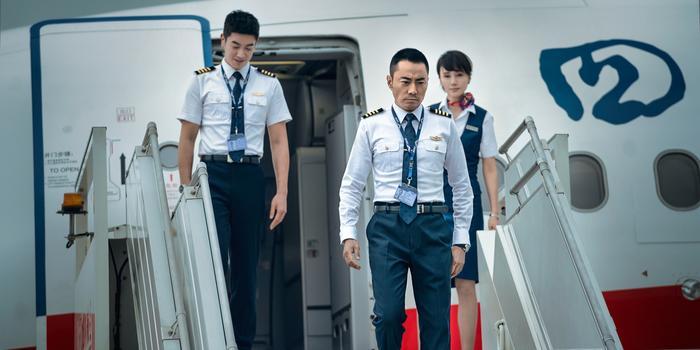上映4日 中国机长成国庆档第二部票房破10亿影片