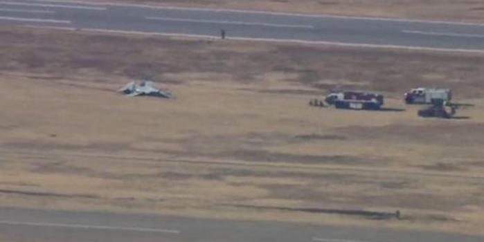 美军2架教练机在空军基地坠毁 2名飞行员丧生
