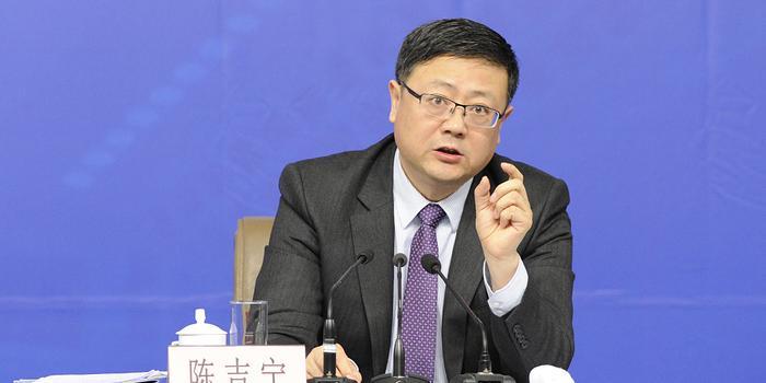 陈吉宁:智能网联汽车安全道路测试里程已达73万公里
