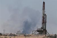 沙特石油设施遇袭产量减半 国际油价可能飙升逾10%