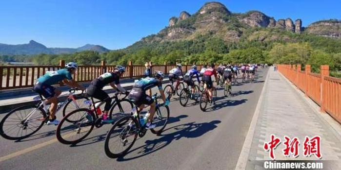 第六届武夷山国际骑游大会开幕 吸引1500多人参与