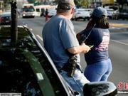 美国费城枪案:与警方分歧枪手被捕 受伤差人入院