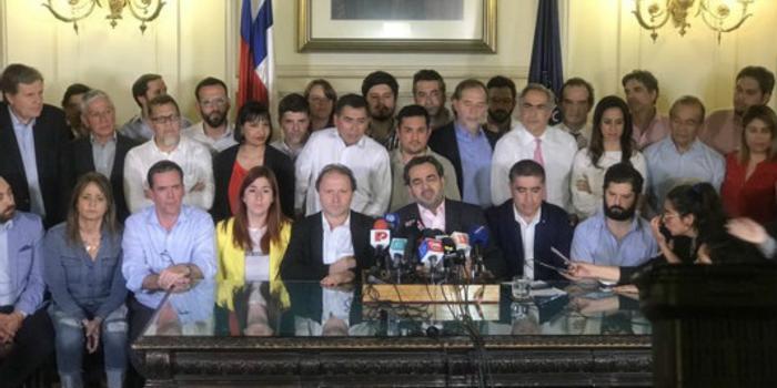 智利国会就新宪法达成协议 明年4月举行公民投票