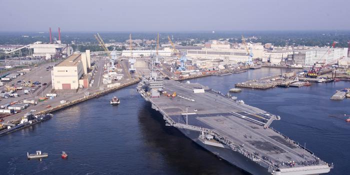 美航母延宕两月终于修好 舰员曾被迫下船住酒店