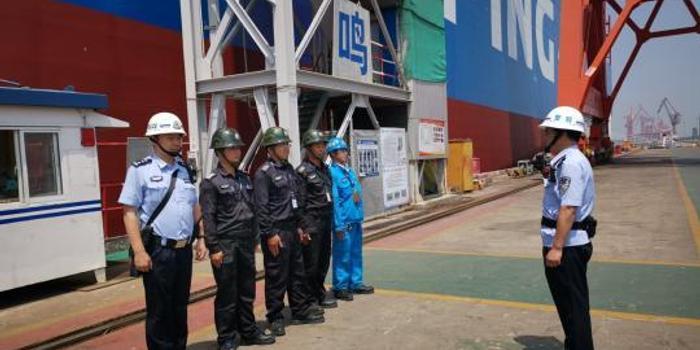 """中国""""限硫令""""加速 上海港进厂改造船舶数量激增"""