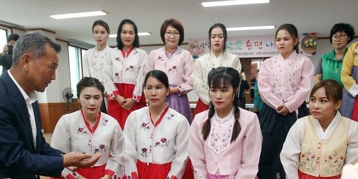 韩国涉外婚姻调查:中国籍新郎最吃香