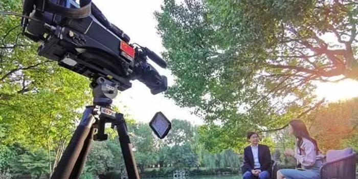 小米要搞大事情?!央视财经专访雷军 曝5G手机计划