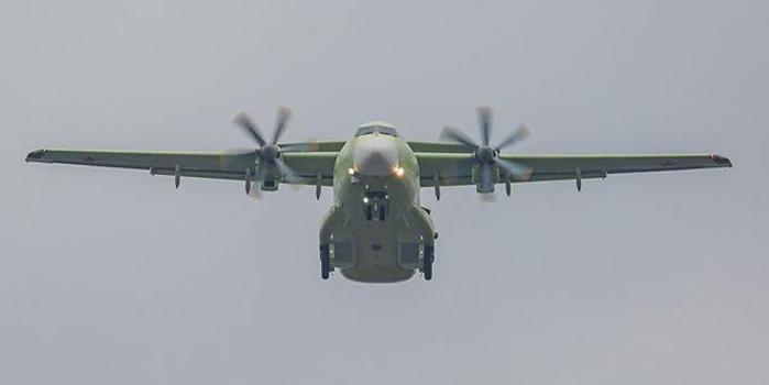 双色求走势图_俄最新型轻型军用运输机完成首飞 将用来接替安-26